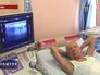 Пенсионер проходит медицинское обследование