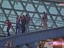 Отдыхающие на арке Пушкинского моста