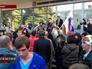 Митинг у здания администрации