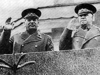 Иосиф Сталин и маршал Георгий Жуков