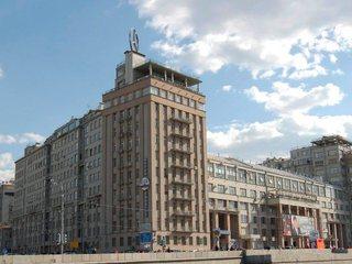 Наша Москва. Дом на набережной