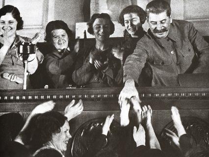Как Сталин расправлялся с неугодными ему женщинами?