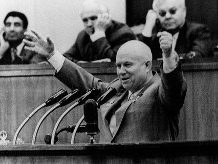 Почему Хрущёв до последнего не верил в заговор?
