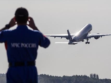 Самолет Airbus A321 в воздухе
