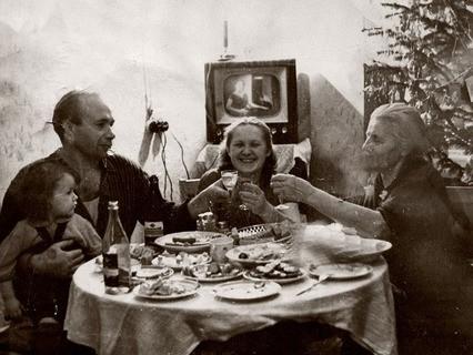 Новый год, 60-е годы. Домашнее праздничное застолье