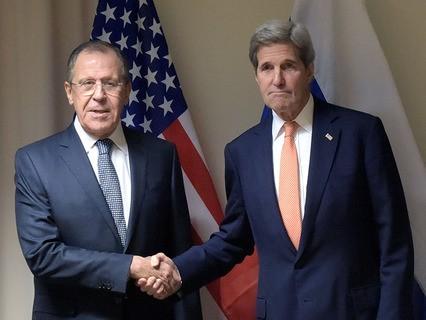 Сергей Лавров и Джон Керри во время встречи в Цюрихе