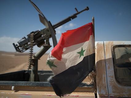 Флаг Сирии на автомобиле