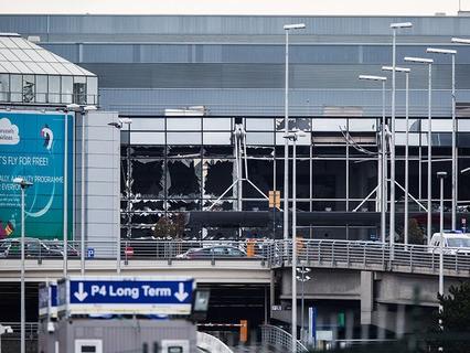 Поврежденное здание аэропорта Брюсселя