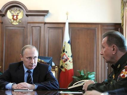 Владимир Путин и главнокомандующий внутренними войсками МВД Виктор Золотов