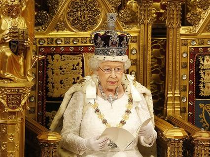Королева Великобритании Елизавета II выступила с ежегодной речью в парламенте