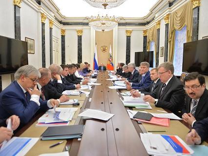 Владимир Путин проводит заседание президиума Экономического совета