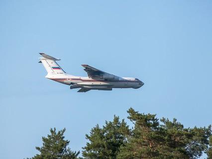 Самолёт МЧС РФ Ил-76
