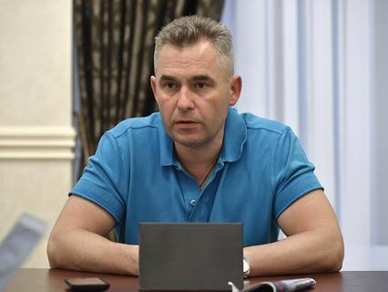 Уполномоченный при президенте РФ по правам ребёнка Павел Астахов на встрече с журналистами в аэропорту Симферополя