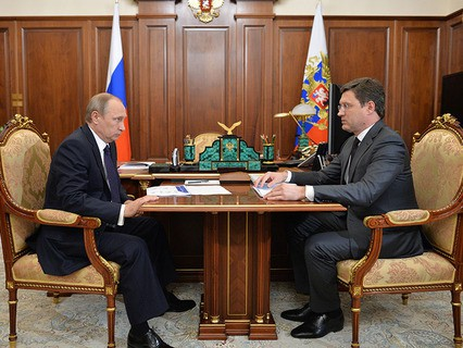Владимир Путин и министр энергетики Александр Новак