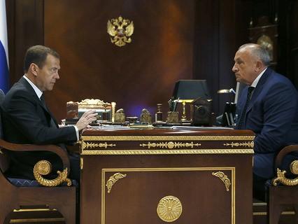 Дмитрий Медведев и глава Удмуртии Александр Соловьёв