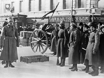 Во время февральской буржуазно-демократической революции