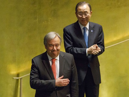 Новый назначенный генеральный секретарь ООН Антониу Гуттереш и нынешний генсек ООН Пан Ги Мун