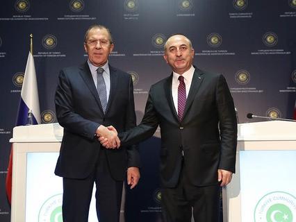 Глава МИД РФ Сергей Лавров и министр иностранных дел Турции Мевлют Чавушоглу