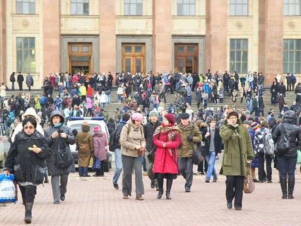 Вход в МГУ