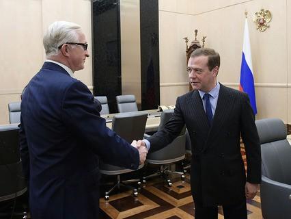 Дмитрий Медведев и президент РСПП Александр Шохин во время встречи в Доме правительства РФ