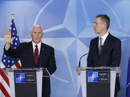 Вице-президент США Майкл Пенс и генсек НАТО Йенс Столтенберг