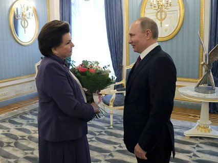 Владимир Путин поздравляет с юбилеем первую женщину-космонавта Валентину Терешкову