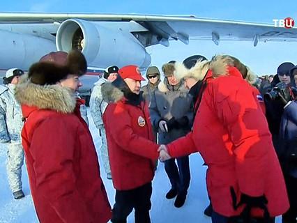 Владимир Путин и Дмитрий Медведев посетили остров Земля Александры архипелага Земля Франца-Иосифа