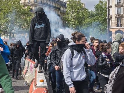 Французские студенты протестуют против кандидатов в президенты