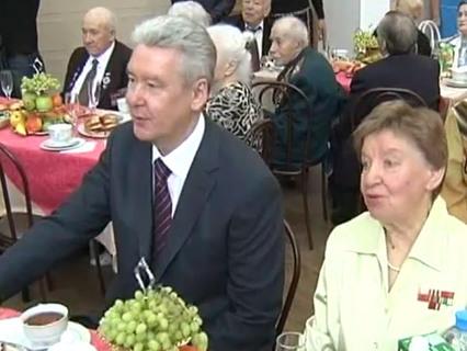 В центре событий с Анной Прохоровой Эфир от 25.09.2011