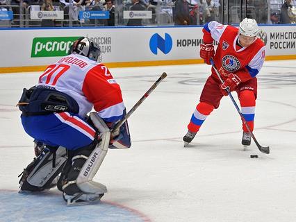 Владимир Путин в гала-матче VI Всероссийского фестиваля Ночной хоккейной лиги