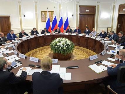 Владимир Путин проводит совещание по вопросам развития транспортной инфраструктуры Северо-Запада России