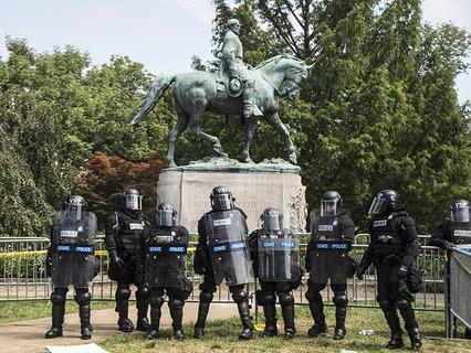 Памятник генералу Роберту Ли в Виргинии