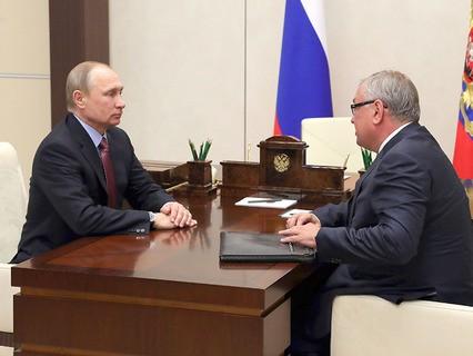 Владимир Путин и глава банка ВТБ Андрей Костин