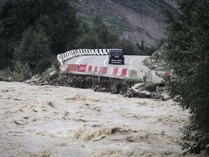 Дорога, пострадавшая от схода селя в Кабардино-Балкарии