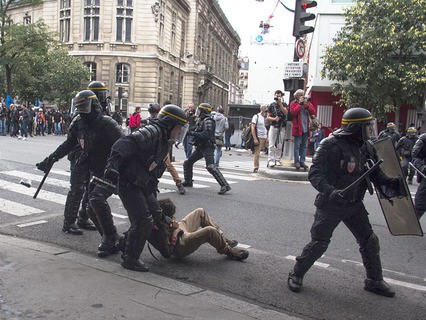 Митинг против реформы трудового законодательства в Париже