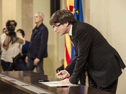 Президент Каталонии Карлес Пучдемон подписал декларацию о независимости