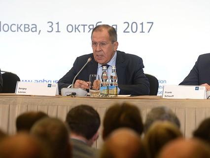 Министр иностранных дел России Сергей Лавров во время встречи с членами Ассоциации европейского бизнеса