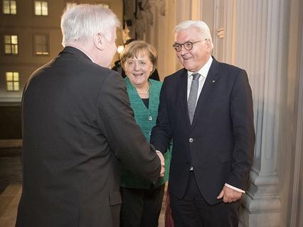 Президент ФРГ Франк-Вальтер Штайнмайер и канцлер ФРГ Ангела Меркель