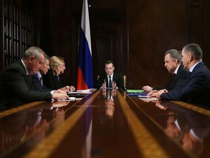 Председатель правительства Дмитрий Медведев проводит совещание с вице-премьерами