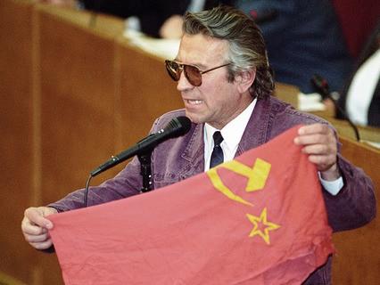 Депутат Вячеслав Марычев в зале заседаний Госдумы