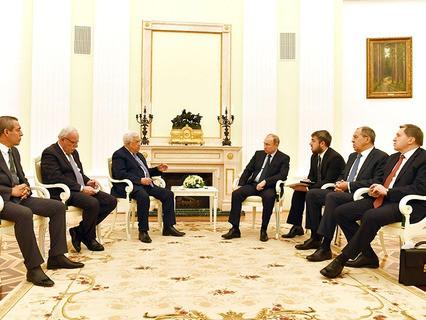 Президент Палестины Махмуд Аббас и президент России Владимир Путин