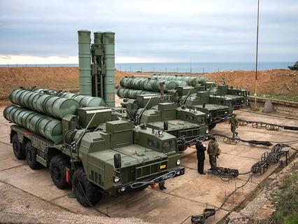 """Комплекс ПВО С-400 """"Триумф"""" на боевом дежурстве в Севастополе"""