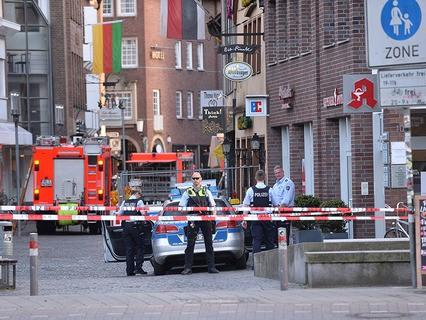 В центре немецкого Мюнстера микроавтобус протаранил террасу ресторана