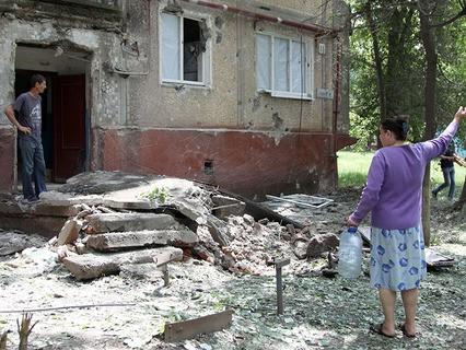 Последствия обстрелов населённых пунктов в Донбассе