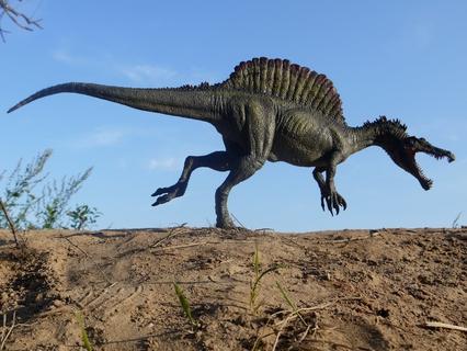 Воскрешение монстров. Гигантские чудовища. Огромный динозавр-убийца.