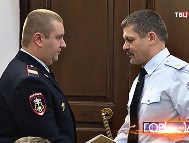 Начальник столичной полиции Анатолий Якунин наградил полицейских