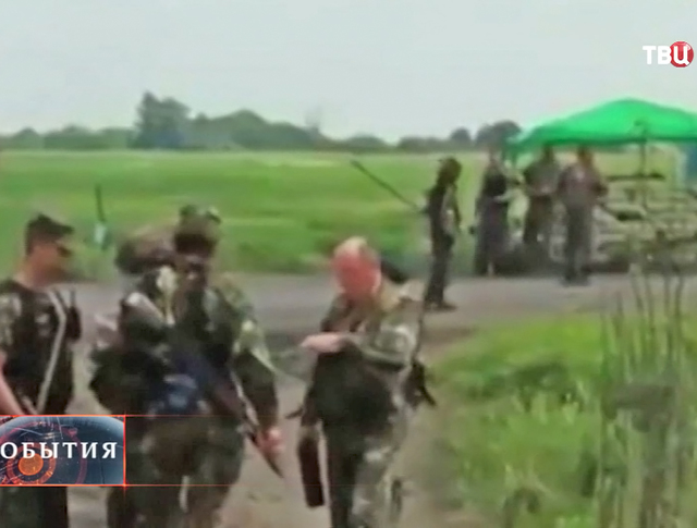 Военные в Славянске