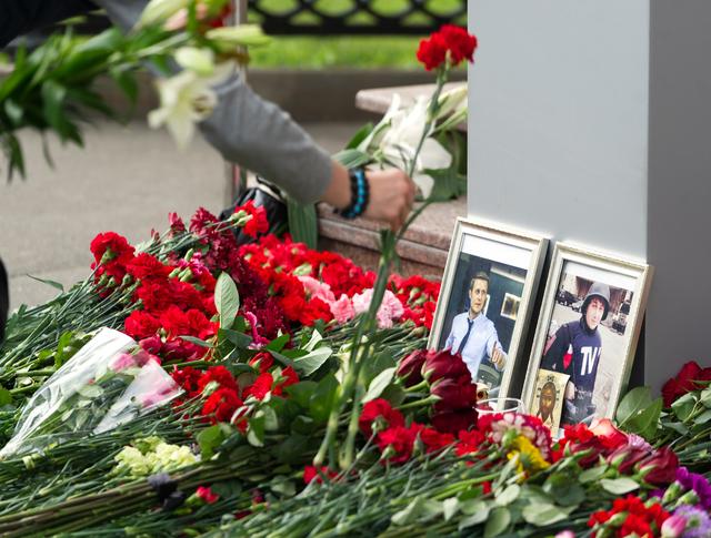 Возложение цветов в память о погибших на Украине журналистах ВГТРК