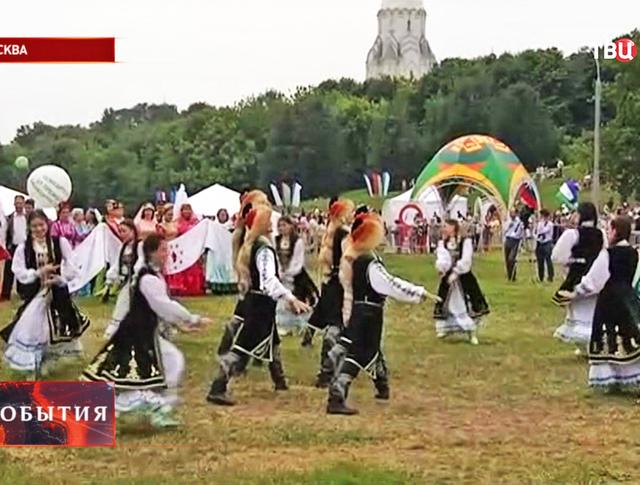 В парке Коломенское отмечают праздник Сабантуй