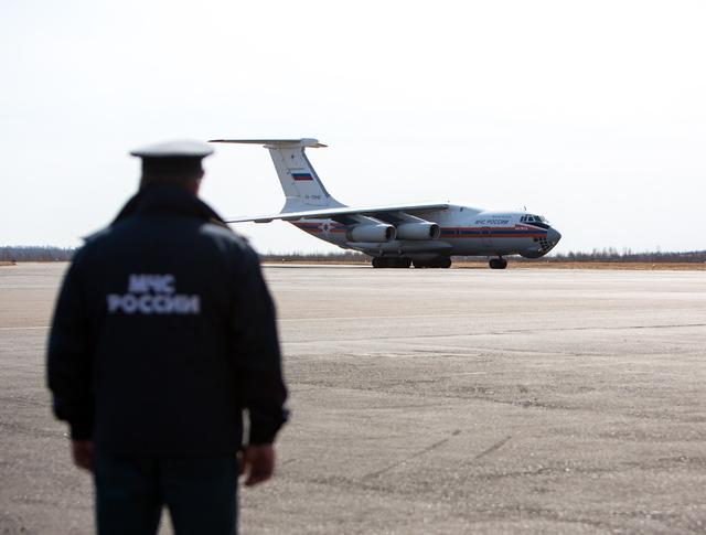 Самолет МЧС Ил-76